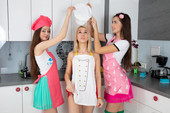 Angela, Maya, Rosalina - Yummy Candies (2020-03-13)